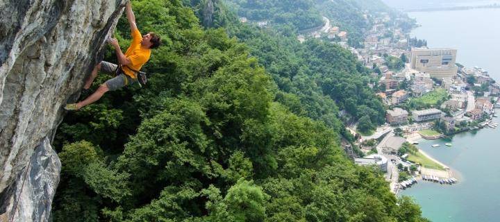 Una falesia (Campione) e un arrampicatore (Luca Auguadri) – parte 1